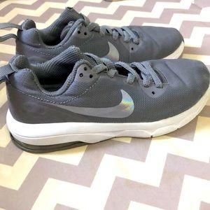Nike sneakers 2/$20